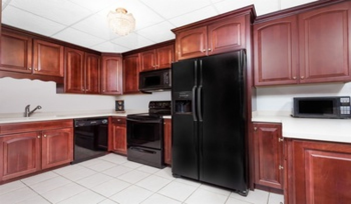 2 Bedroom President Suite Full Kitchen Non Smoking At